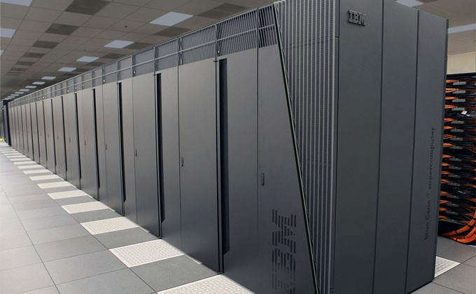 Новейший суперкомпьютер поможет ученым Академгородка